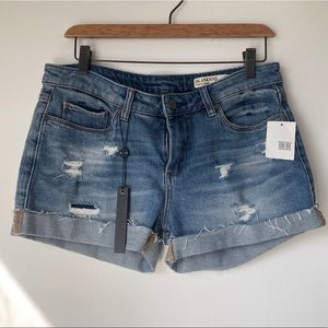 BLANKNYC TOMBOY SHORT DISTRESSED SIZE 28